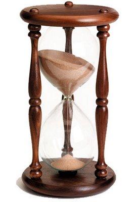 Eski zamanlarda kullanılan kum saati saat nedir