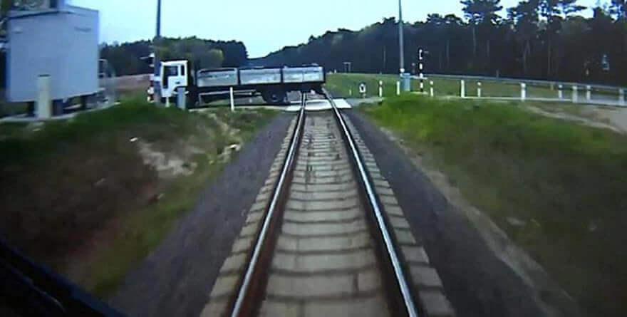Polonya'da önlenen tren faciası!